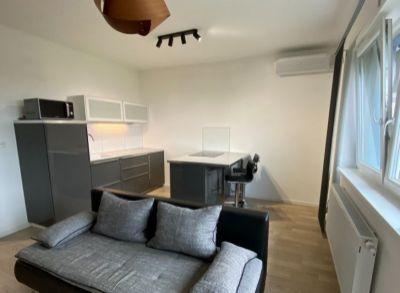 Areté real- Ponúkame Vám veľmi pekne zariadený, moderný 2-izb.byt v Slovenskom Grobe.