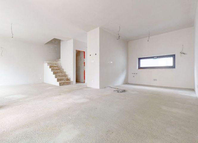 4 izbový byt - Bratislava-Vrakuňa - Fotografia 1