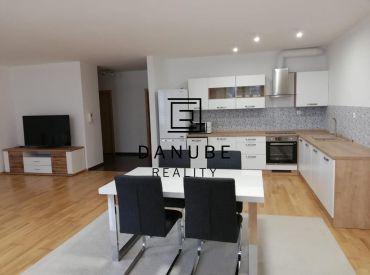 Prenájom nadštandardný 3-izbový byt v novostavbe v Bratislave-Novom meste na Horskej ulici.