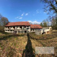 Chata, Lošonec, 2410 m², Novostavba