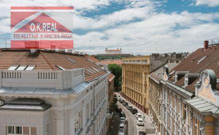 Ponúkame na predaj 2 - 3 izbové nové byty na Gunduličovej ulici v centre Starého mesta, v blízkosti Prezidentského paláca a Hodžovho námestia.