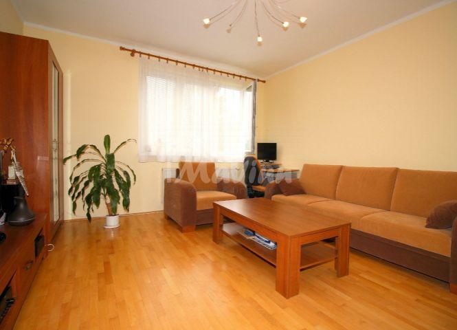 3 izbový byt - Bánovce nad Bebravou - Fotografia 1