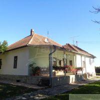 Rodinný dom, Veľká nad Ipľom, 160 m², Čiastočná rekonštrukcia