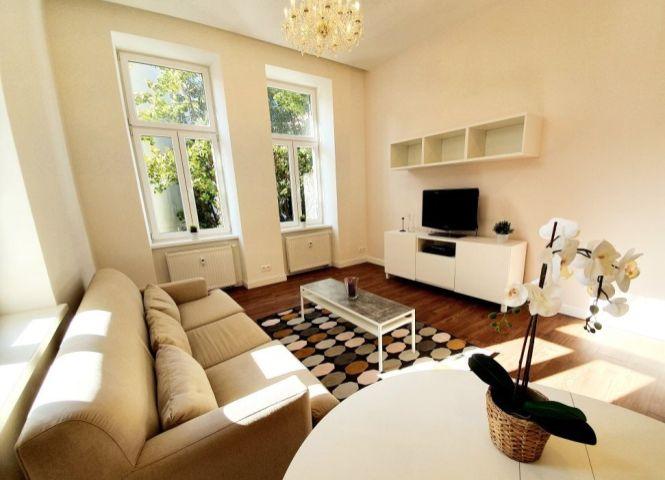 2 izbový byt - Bratislava-Staré Mesto - Fotografia 1