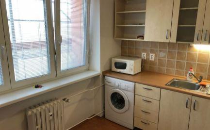 PRENÁJOM kompletne zrekonštruovaný  1.izbový byt v tichej lokalite v časti Bratislava - Trnávka. Expisreal
