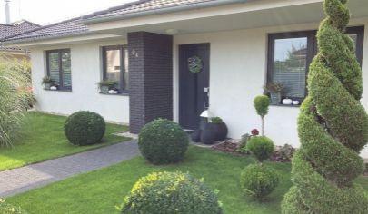 Na predaj bungalov Malinovo, Bratislavská.