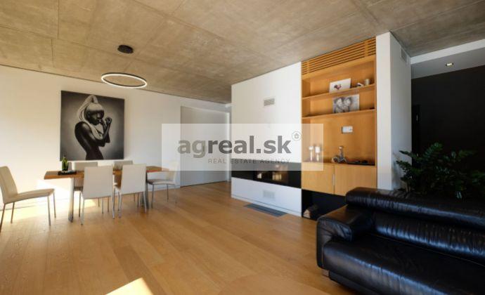 Moderný 4-izbový byt s parkingom v novostavbe