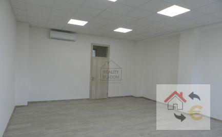 3 kancelárie na Jarkovej ul. v centre Prešova.