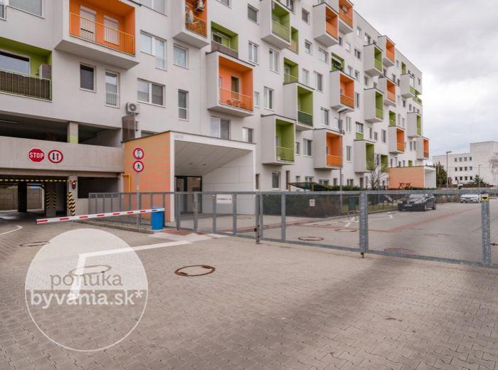 REZERVOVANÉ - VIETNAMSKÁ, 2-i byt, NOVOSTAVBA 39 m2 - TEHLA, parking k bytu už 9900 EUR, Avion a Ikea 5 min. pešo