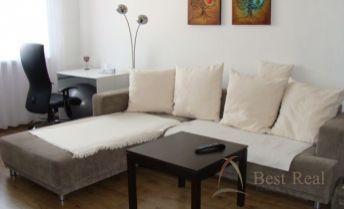 Best Real - 1-izbový byt na Považanovej ulici v Dúbravke, pekný výhľad, 12/12posch., 38m2.