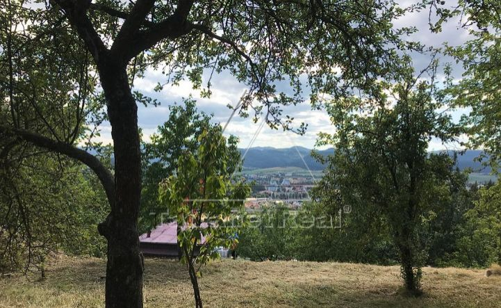 Predáme záhradu 500 m2 s podielom na prístupovej ceste, Spišská Nová Ves, Blaumont, výhľad, v susedstve domy na bývanie