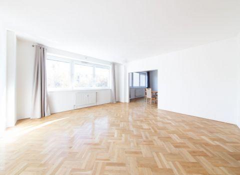 Na predaj priestranný 3 izbový byt s garážovým státím v obľúbenej časti Ružinova