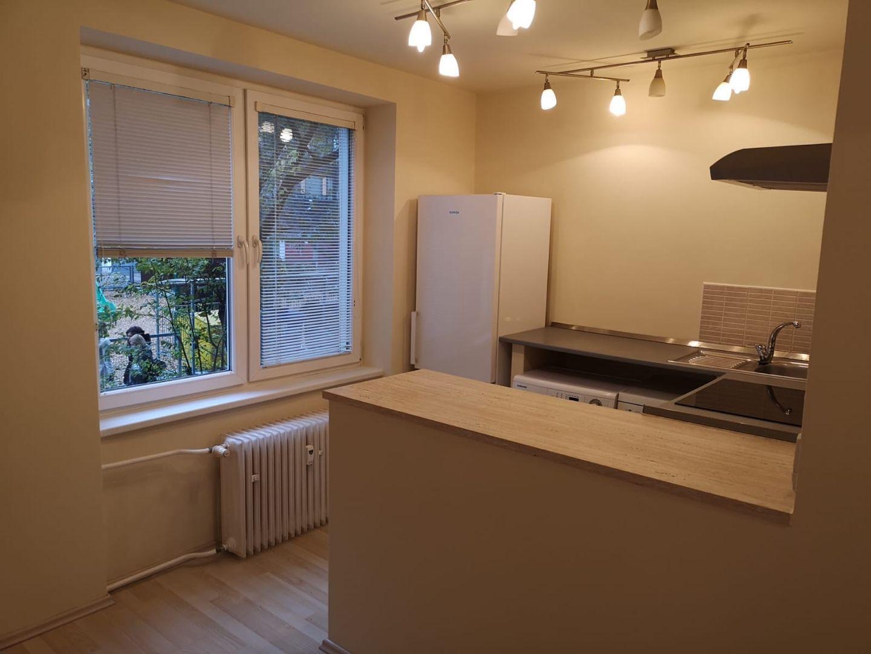 2-izbový byt-Prenájom-Bratislava - mestská časť Ružinov-340 €