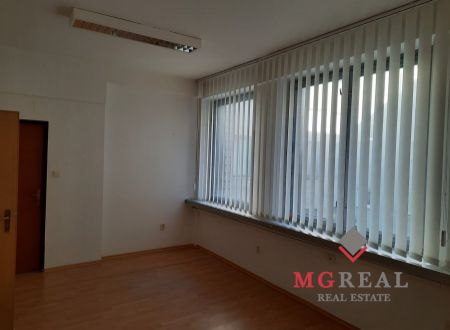 Kancelárie  50 m2 v centre Trnavy