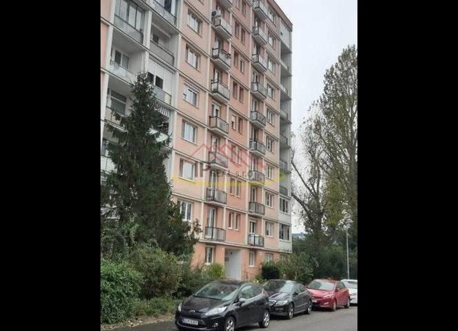 3 izbový byt - Bratislava-Rusovce - Fotografia 1
