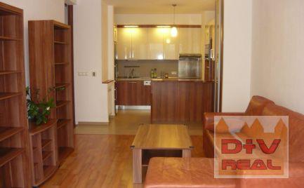 2 izbový byt, ul. Jána Stanislava, predzahrádka 24m2, zariadený, parkovanie