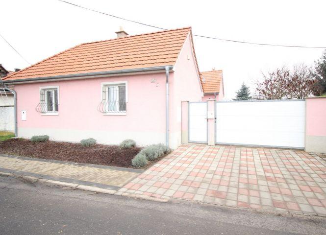 Rodinný dom - Záhorská Ves - Fotografia 1