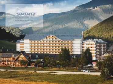 REZERVOVANÉ - 3-izbový apartmán s výhľadom na hory v luxusnom Hoteli Residence Donovaly