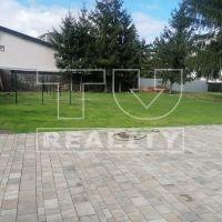Pre rodinné domy, Trenčianska Teplá, 811 m²
