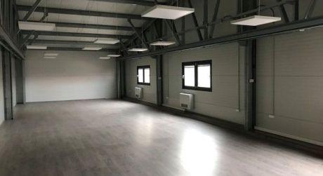 Prenájom - Kancelárske priestory s garážou/skladom v Komárne