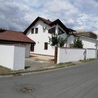Rodinný dom, Lučenec, 260 m², Novostavba