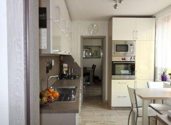 Na predaj zariadený 3-izbový byt (76m2) aj pre náročnejšieho klienta - Poprad centrum
