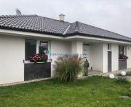 Krásny 4 izbový rodinný dom 1km od Dunajskej Stredy, 30min od Bratislavy s napojením na R7 s veľkým pozemkom
