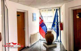 Ponúkame Vám na prenájom kancelársky priestor, 21,8 m2, Dubnica nad Váhom - Obrancov mieru.