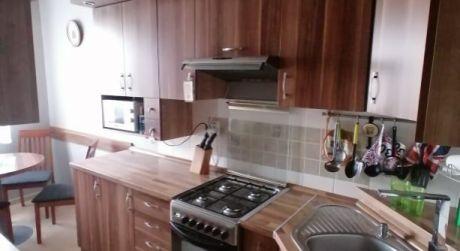 Predaj - Kompletne prerobený 3 izbový byt s loggiou na novom sídlisku v Komárne