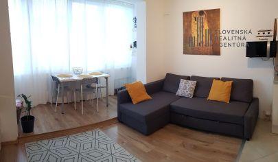 EXKLUZÍVNE NA PREDAJ: zrekonštruovaná, čiastočne zariadená dvojgarzónka s klimatizáciou v Bratislave-Petržalke