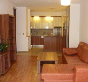 StarBrokers – Prenájom 2-izbového moderného bytu s predzáhradkou v Karlovej Vsi