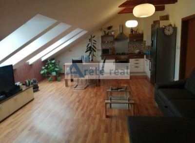 Areté real- prenájom moderného, priestranného 2izb.bytu v Pezinku, ul.D.Sandtnera- VOĽNÝ IHNEĎ