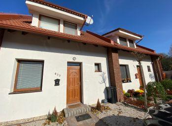 Iba u nás!! 3 izbový rodinný dom v radovej zástavbe v obci Dunajský Klátov