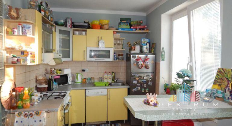 REZERVOVANÉ-Exkluzívne - Na Predaj 2-izbový byt 56 m2, Staré Sídlisko, Prievidza