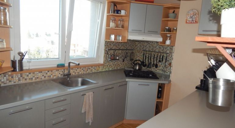 REZERVOVANÉ-Na Predaj 2-izbový  byt 56 m2, Žiar nad Hronom, Centrum
