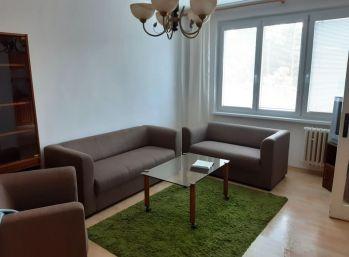BA III. Nové Mesto - 3 izbový byt  na ulici J.C. Hronského