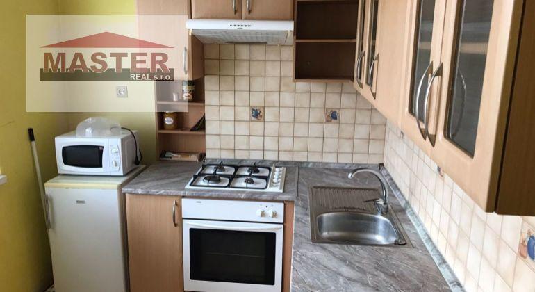 Exkluzívne predaj 2i byt v Bánovciach n//B s loggiou