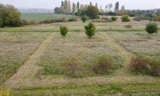 REZERVOVANÉ -  ASTER PREDAJ: STAVEBNÝ POZEMOK NA RD, 638M2, SLOVENSKÝ GROB (nie Malý Raj)