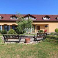 Hotel, Santovka, 530 m², Novostavba