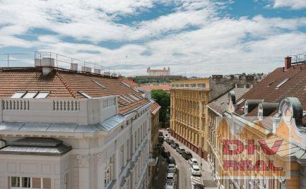 Predaj: 4 izbový byt, Gunduličova ulica, Bratislava I, Staré Mesto, balkón, výťah, kompletná rekonštrukcia,  v ponuke 1-4 izbové byty od 38,80 - do 102,73 m2
