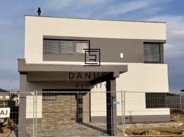 Predaj priestranný Rodinný dom – LÝRA, Achátová ul., Bratislava – Podunajské Biskupice