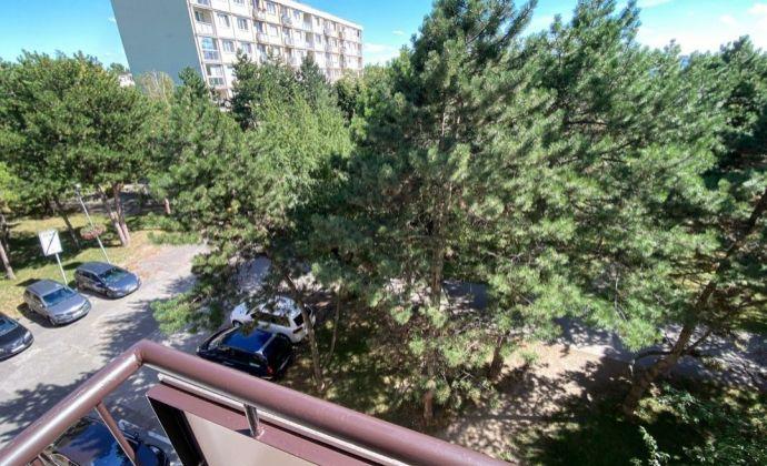 3- izbový byt v Ružinove s balkónom