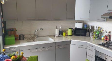 Kuchárek-real: Ponuka priestranného 4 izbového bytu Bratislava-Petržalka.