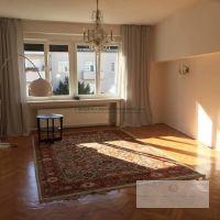 4 izbový byt, Bratislava-Staré Mesto, 90 m², Kompletná rekonštrukcia