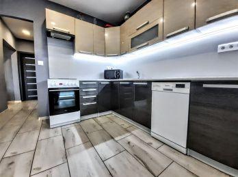 Ponúkame na Predaj 3 izbový byt po rekonštrukcii v Šuranoch