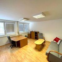 Kancelárie, Malacky, 1 m², Kompletná rekonštrukcia