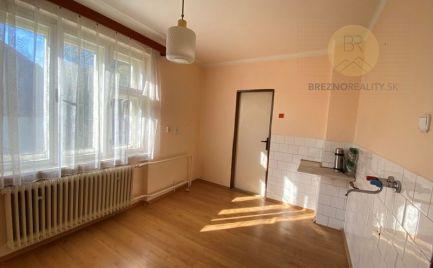 Rodinný dom na predaj - Brezno, pozemok 1500 m2
