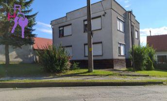 Na predaj 5 izbový rodinný dom v malebnej obci obklopenej Malými Karpatmi, Dobrá Voda, vhodný aj ako dvojgeneračný.