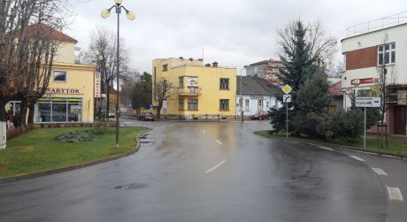 Predaj zaujímavého funkcionalistického objektu na ul. Popradskej brigády v centre Popradu
