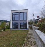 Exkluzívne u nás! Ponúkame na predaj novostavbu rodinného domu v obci Zádubnie.